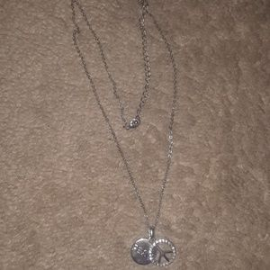 Jewelry - ⭐4/$10⭐ Rhinestone Peace Sign necklace